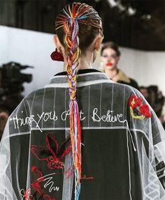 Maison Margiela Spring 2017 Couture Fashion Show Details - The Impression Fashion Editor, Fashion 2017, Diy Fashion, Editorial Fashion, Runway Fashion, Fashion News, Fashion Show, Couture Mode, Couture Fashion