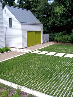 Exterior front garden driveway designs perth Design Ideas, Pictures, Remodel and Decor Grass Pavers, Concrete Pavers, Paver Path, Gravel Walkway, Patio Slabs, Concrete Steps, Permeable Driveway, Driveways, Cement Driveway