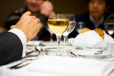 Dining etiquette is particularly important in a professional environment. Here are 7 business etiquette rules to be aware of. Dining Etiquette, Getting To Know Someone, Bar Menu, Keeping Healthy, Wine And Spirits, Business Travel, Fine Dining, White Wine, Alcohol