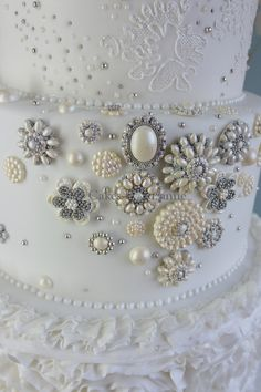 Cakes by Suzanne - Wedding Cakes with Jewels and Hearts - Cakes by Suzanne…