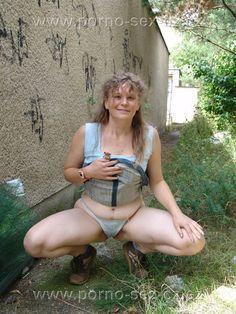 Amatérka, obyčejná mamina pořídila žhavé fotky na procházce městem.