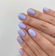 Semi-permanent varnish, false nails, patches: which manicure to choose? - My Nails Winter Nails, Spring Nails, Summer Nails, Summer Nail Colors, Winter Colors, Periwinkle Nails, Purple Manicure, Nail Pink, Pin On