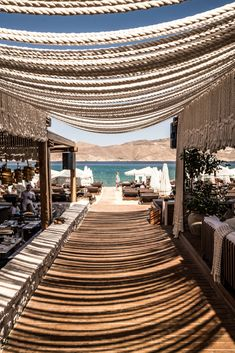 Beach Club, Strand Design, Club Mykonos, Restaurant Interior Design, Beach Restaurant Design, Balcony Bar, Boho Beach Style, Outside Bars, Outdoor Restaurant