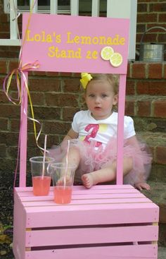 DIY Lemonade stand idea.  (could also do this to make a little grocery stand or something similar).   I LOVE wooden crates!