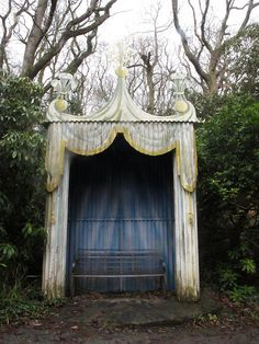corrugated iron shelter by squeezemonkey, via Flickr