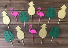 *Tropical cupcake toppers perfect for youre next birthday event. *Available in orders of 12 *They measure about 2 inches and are glued onto 3 inch toothpicks. Luau Theme Party, Aloha Party, 2nd Birthday Party Themes, Art Party, Birthday Decorations, Flower Decorations, Tropical Cupcakes, Tropical Party, Flamingo Birthday