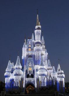 Travel: Ever Wondered What Christmas at Disney World Looks Like? | Swa-Rai