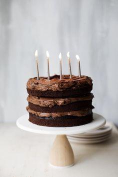 Birthday Cake Layers The Perfect Chocolate Fudge Layer Cake The Sugar Hit Salted Caramel Chocolate, Chocolate Caramels, Cake Chocolate, Chocolate Tarts, Salted Caramels, Delicious Chocolate, Cupcake Cakes, Cupcakes, Poke Cakes