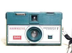 Kodak Instamatic F Hawkeye - vintage camera - camera- lomography Vintage Kodak Camera, Vintage Cameras, Old Photography, Camera Photography, Instamatic Camera, Classic Camera, Old Cameras, Lomography, Hawkeye