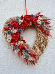 slámové srdce červené.... průměr 30cm Garden Crafts, Diy Crafts, Flower Factory, Amaranthus, 4th Of July Wreath, Flower Power, Flower Arrangements, Things To Do, Christmas Wreaths