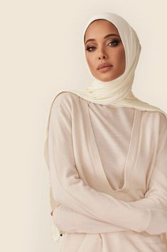 Not your ordinary jersey hijab. Our cult-favorite premium jersey is super-soft, effortless and made to last. It comes in a must-have ivory color that's infinitely versatile. Celebrity Fashion Outfits, Street Hijab Fashion, Muslim Fashion, Modest Fashion, Celebrities Fashion, Modest Outfits, Classy Outfits, Celebrity Style, Disney Wedding Dresses