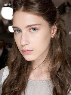 Non-Bronzer Makeup Looks: Apricot Shadow from the Dior Couture runway show | allure.com