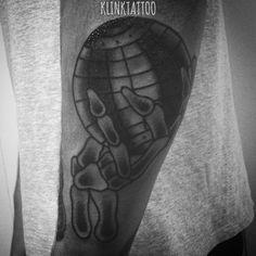 #ink #klink #vintage #tatu #tatoo #tattoo #artist #tattu #oldschooltattoo #oldschool #old #school #trad #traditional #traditionaltattoo #line #shading #black #flash #earth #planet #hand #bone