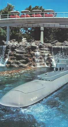 A tribute to the vintage Submarine Voyage (images and video) - MiceChat