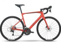BMC launched the new Roadmachine range of disc brake endurance road bikes Friday, which boast enough clearance for 30-32mm tires. The