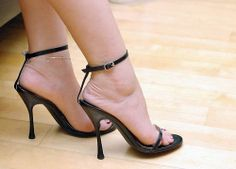 Modern Women Lifestyles: Learning The Technique Of Walking Gracefully Together With Your High Heels