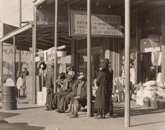 Walker Evans - Sidewalk Scene, Selma, Alabama, 1935
