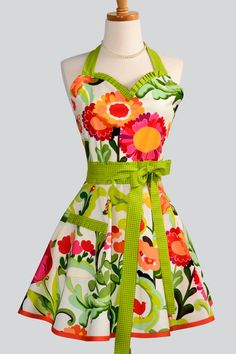 Womens Sweetheart Apron / OOPS a Daisy Colorful by CreativeChics, $36.00