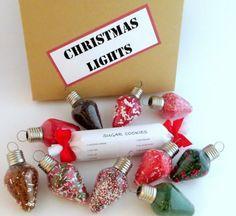 ampoules cassées transformées en boules de Noël personnalisées avec des vermicelles multicolores