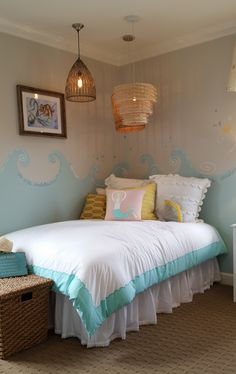 Give your little one a space to be #creative in this whimsical #mermaid #bedroom!
