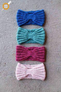 Crochet Headband This is a wonderful free head wrap crochet pattern. It's a fun, fast, and easy crochet pattern that I love and I hope that you'll love too! Crochet Amigurumi, Crochet Beanie, Knit Crochet, Headband Crochet, Ravelry Crochet, Knit Hats, Crocheted Hats, Crochet Hair, Crochet Wrap Pattern
