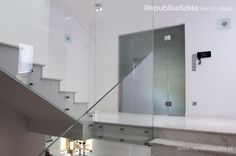 Szklana balustrada // wykonanie: RepublikaSzkła