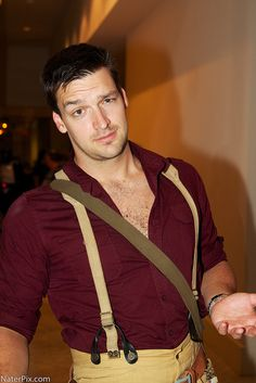 """repin : """"Mal, DragonCon 2012 holy cow!! He even resembles Nathan fillion!"""" { #Firefly #Cosplay } Firefly cosplay are so cool!!!"""