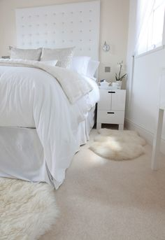 Airy, bright bedroom with beautiful cream carpet by Hardy Carpets
