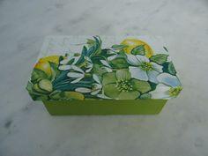 Caixa para chá verde e branco com duas divisórias . www.elo7.com.br/esterartes