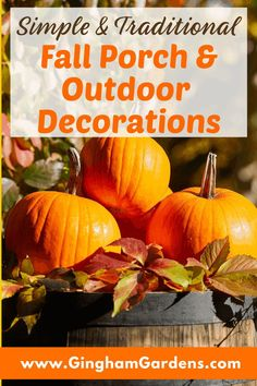 Lots of simple and traditional fall porch decorations and other outdoor fall garden decor using pumpkins, gourds, hay bales, mums, fall flowers, all with a touch of vintage junk. Fall flea market gardening and lots of cute and fun ideas for you to copy and create your own outdoor fall vignettes. #ginghamgardens Rustic Garden Decor, Vintage Garden Decor, Rustic Gardens, Garden Junk, Garden S, Shade Garden, Gourds, Pumpkins, Vintage Milk Can