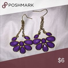 Purple dangle earrings! W/ gold Super cute! Fashion earrings, make me an offer 😊 Francesca's Collections Jewelry Earrings