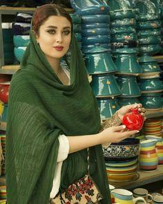 Persian.woman Iranian Beauty, Muslim Beauty, Turkish Beauty, Persian People, Persian Girls, Beautiful Muslim Women, Beautiful Hijab, Iran Girls, Persian Beauties