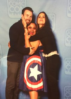 """"""" I asked for a group hug for my Chris Evans and Hayley Atwell duo photo and they did not disappoint ☺️❤️ """""""