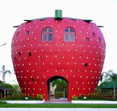 This is a strawberry building in Brazil. I think this is about as unique as it gets. A building made to look like a strawberry is different, fun, and joyful. Unusual Buildings, Famous Buildings, Interesting Buildings, Amazing Buildings, Rio Grande Do Sul, Design Museum, Crazy Houses, Weird Houses, Unique Architecture