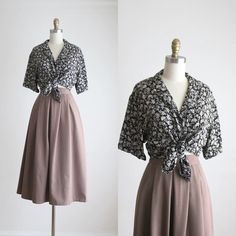 "2,280 Me gusta, 2 comentarios - Anne (@1919vintage) en Instagram: ""almond brown midi skirt (sold) & dark floral blouse (sold)"" Cute Dresses, Vintage Dresses, Vintage Outfits, Vintage Fashion, Midi Skirt Outfit, Skirt Outfits, Choice Clothes, Modest Fashion, Fashion Outfits"