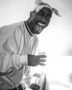 Tupac Photos, Tupac Pictures, Tupac Wallpaper, Rap Wallpaper, Arte Hip Hop, Hip Hop Art, Tupac Videos, Estilo Cholo, Tupac Art