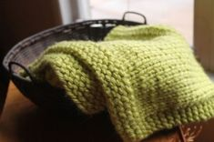 SImple Square Baby Blanket Free Pattern by Anne Potter