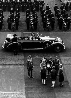 Hitler greeted by girls from the BDM