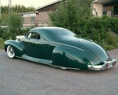 "Nothing says ""Hillbilly Hollywood"" like a Lincoln Zephyr!"
