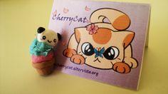 Ciondolo con panda cupcake fatto a mano. Handmade pendant with panda cupcake.