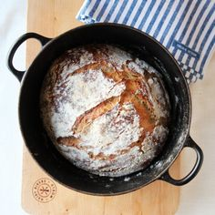 ELTEFRITT LANDBRØD A Food, Food And Drink, Bread Baking, Great Recipes, Dinner, Cooking, Kitchen, Le Creuset, Salt