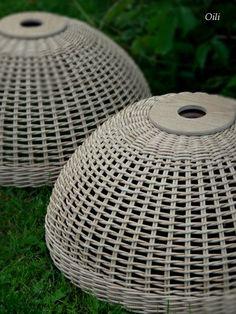 Фотографии Ольги Рыжковой Paper Basket Weaving, Weaving Art, Baskets On Wall, Wicker Baskets, Wicker Pendant Light, Wicker Bedroom, Newspaper Crafts, Sewing Baskets, Art N Craft