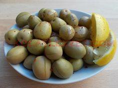 EVDE KIRMA, ÇİZİK ve SALAMURA YEŞİL ZEYTİN YAPIMI Sofralık yeşil zeytin nasıl hazırlanır? Yeşil zeytinin acısı nasıl giderilir? Zeytin tatlandırma muamelesi nasıl yapılır? Çizik (dilme) ve kırma... Fruit Plants, Pickles, Olive Oil, Food And Drink, Potatoes, Nutrition, Dishes, Vegetables, Health