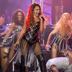 """""""Queen of the night 💜 romy monteiro Celebrity Boots, Miss Saigon, Beyonce, Musicals, Hot Girls, Queen, Actors, Night, Celebrities"""