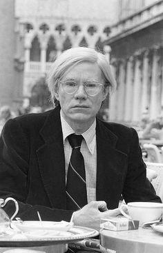 Andy Warhol at the Caffè Florian a Venezia San Marco.