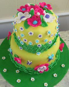 Google Image Result for http://thetwistedsifter.files.wordpress.com/2009/03/fondant-flower-cake-2.jpg