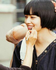 Girl Photo Shoots, Girl Photos, Komatsu Nana, Japanese Beauty, Most Beautiful Women, Short Hair Styles, Photoshoot, Actresses, Actors