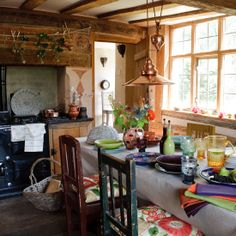 Country kitchen pictures and photos for your next decorating project. Find inspiration from of beautiful living room images Aga Kitchen, Homey Kitchen, Family Kitchen, Kitchen Decor, Kitchen Ideas, Kitchen Layout, Kitchen Dining, Kitchen Island, Country Modern Home