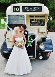Vintage wedding bus, lovely