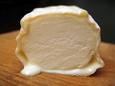 House-Aged Sainte-Maure Belgique Cheese